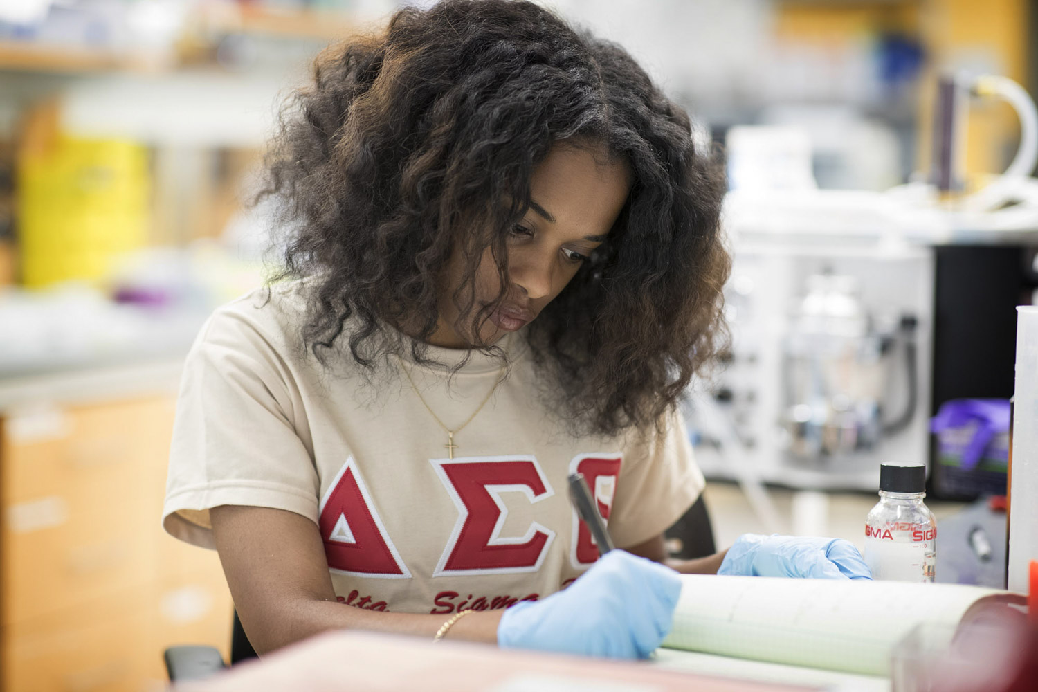 Alexis Jones, a student at Bennett College in Greensboro, North Carolina, is conducting biological research this summer at UVA.