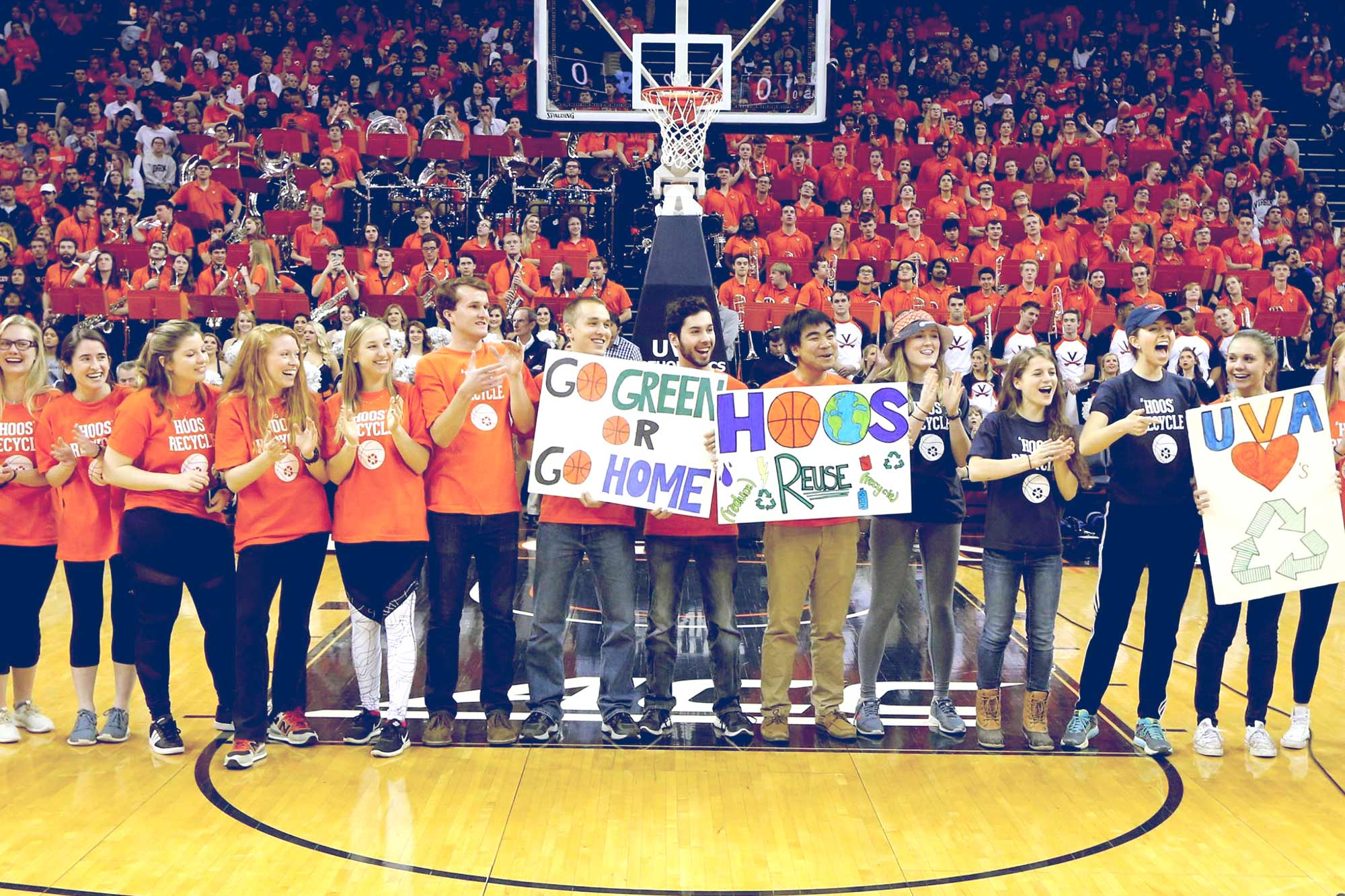 With the aid of student volunteers, UVA basketball fans diverted more than 90 percent of their game-day waste from the landfill. (Photo by Matt Riley, UVA Athletics)