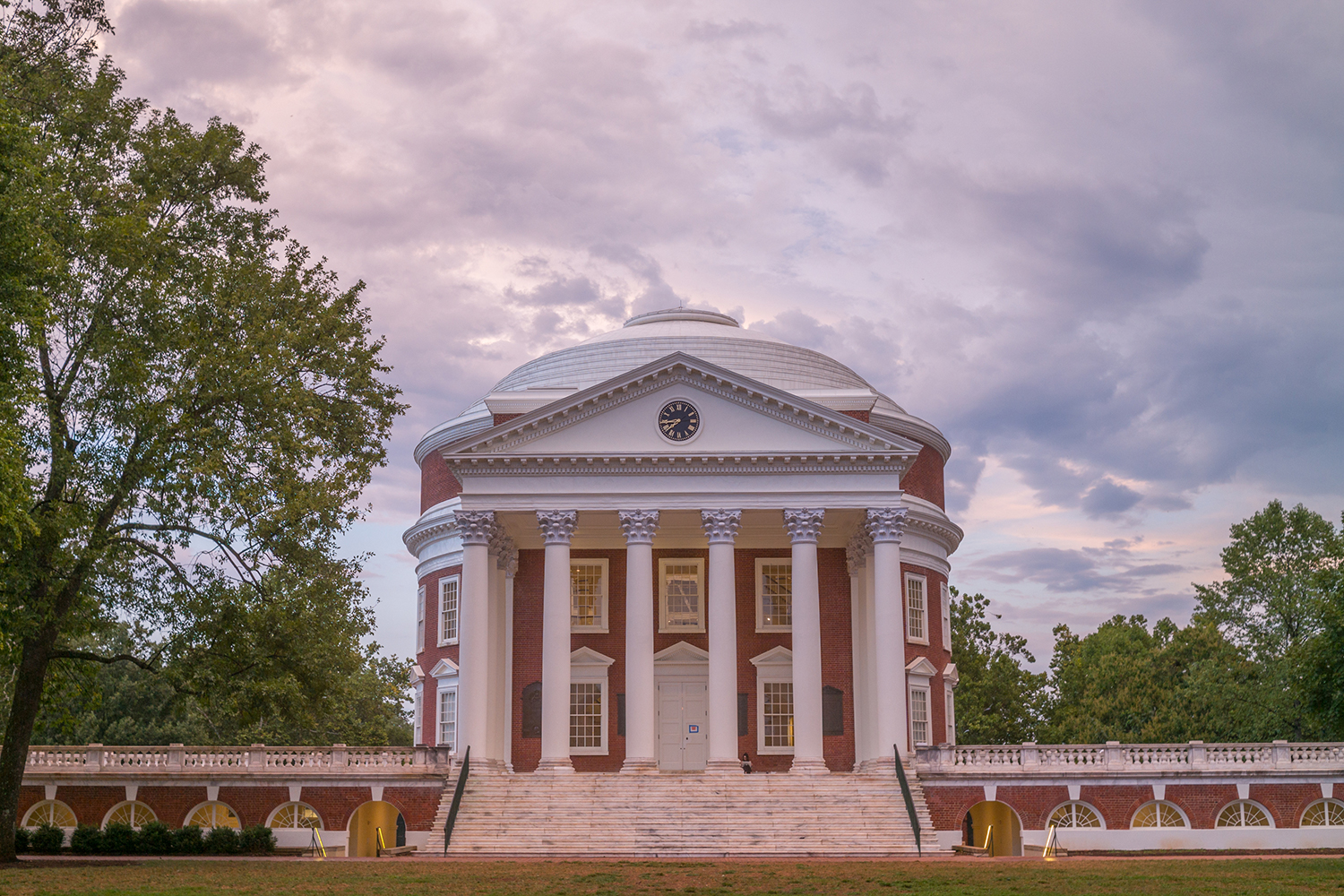 U.S. News '19 Rankings Rate UVA No. 3 Public, and No. 2 Best Value Among Publics