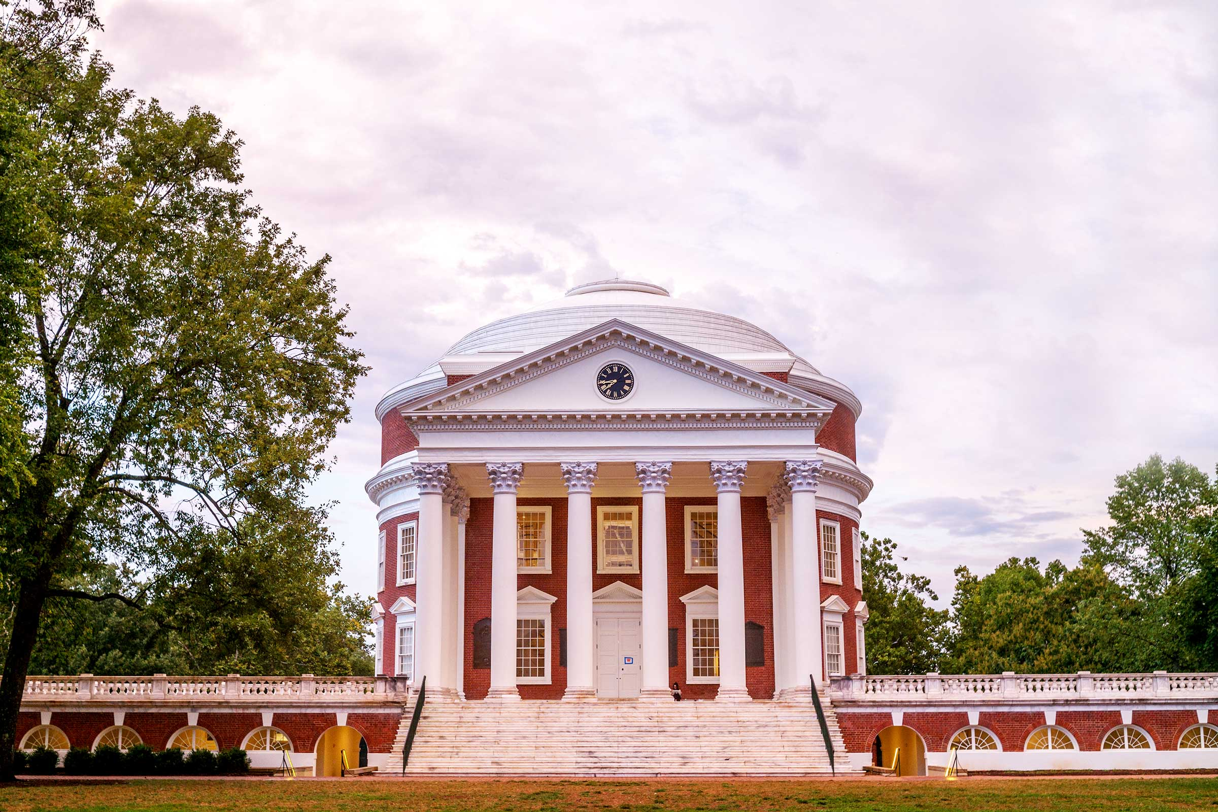 UVA Board of Visitors Approves Tuition Rates for 2017-18