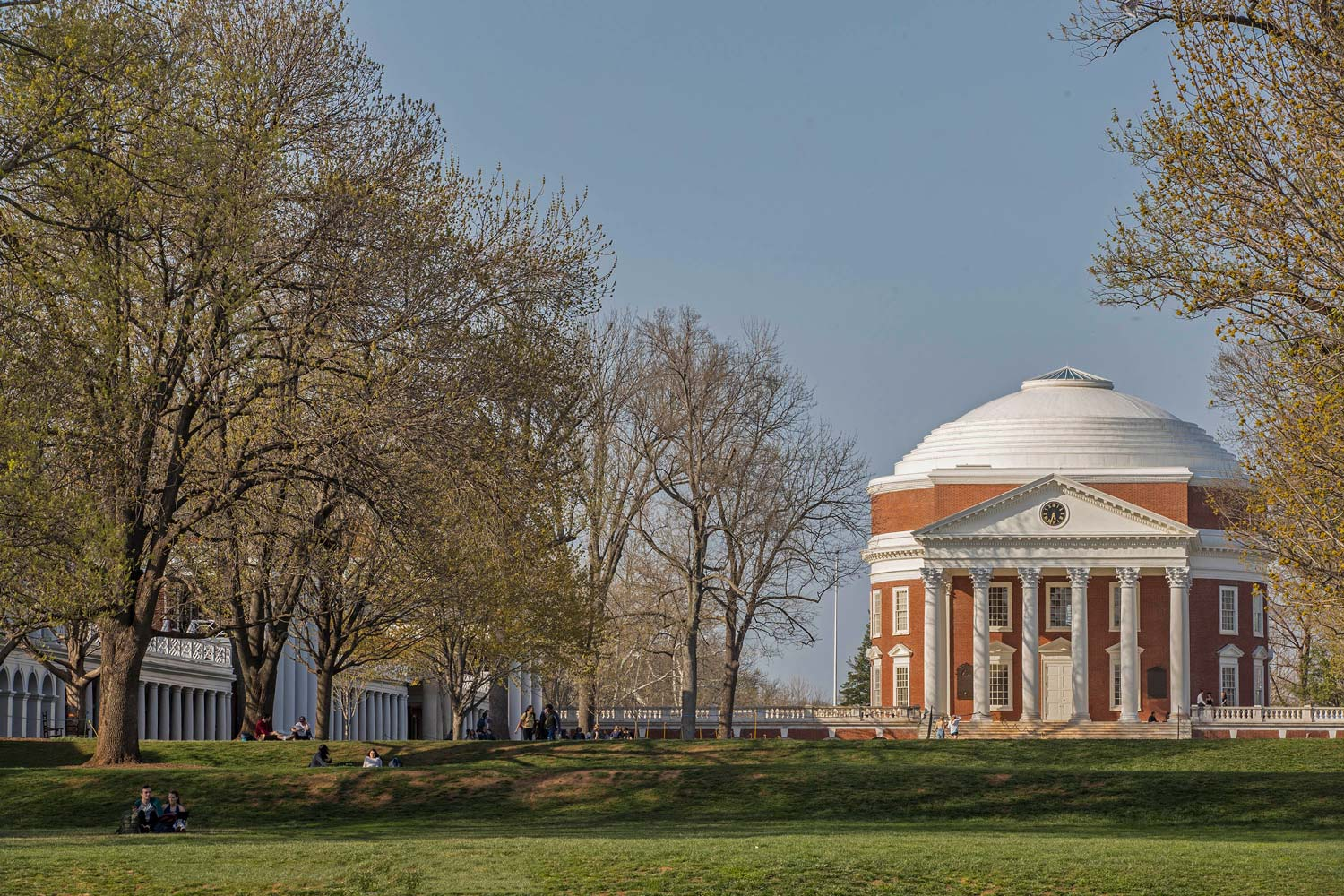 Bicentennial Scholars Fund Hits Stride in Effort to Grow Student Scholarships