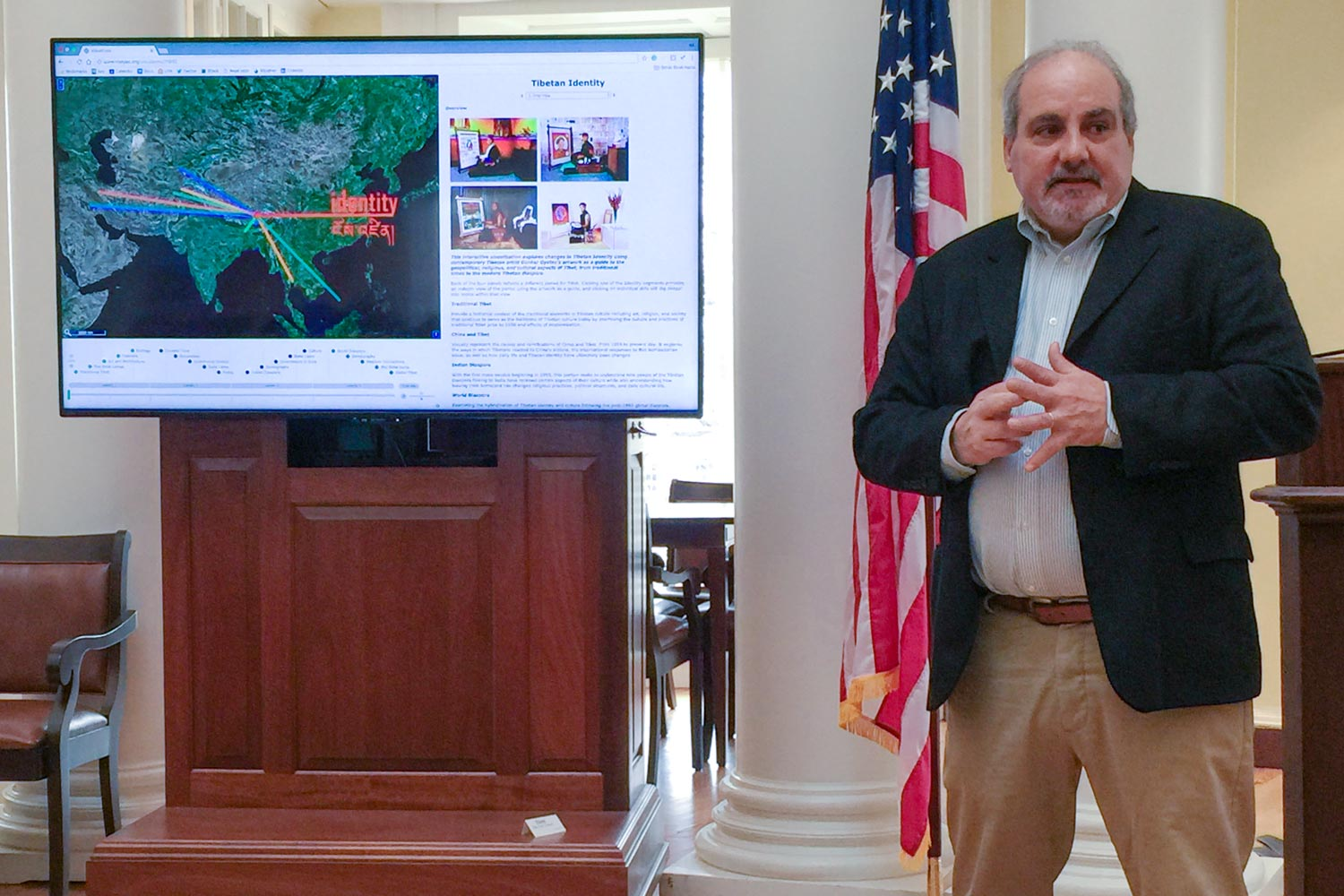 Bill Ferster introduces students' digital projects on the final class day of the semester in the Rotunda Dome Room. (Photo by Susan Ferster)