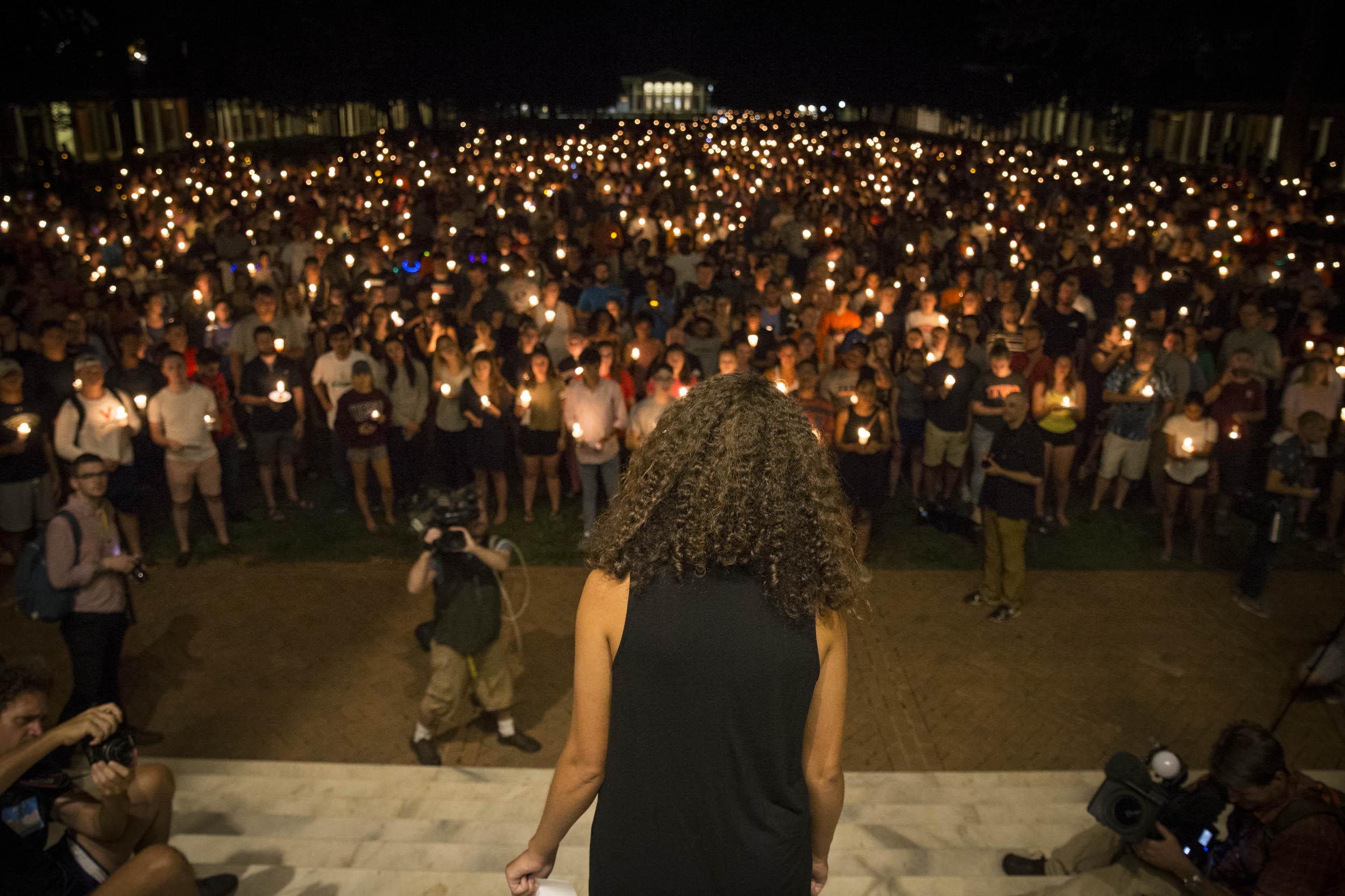 Thousands at vigil