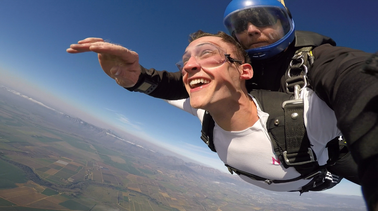 Joel Thomas and some other UVA students took time from their busy workdays to go sky-diving.