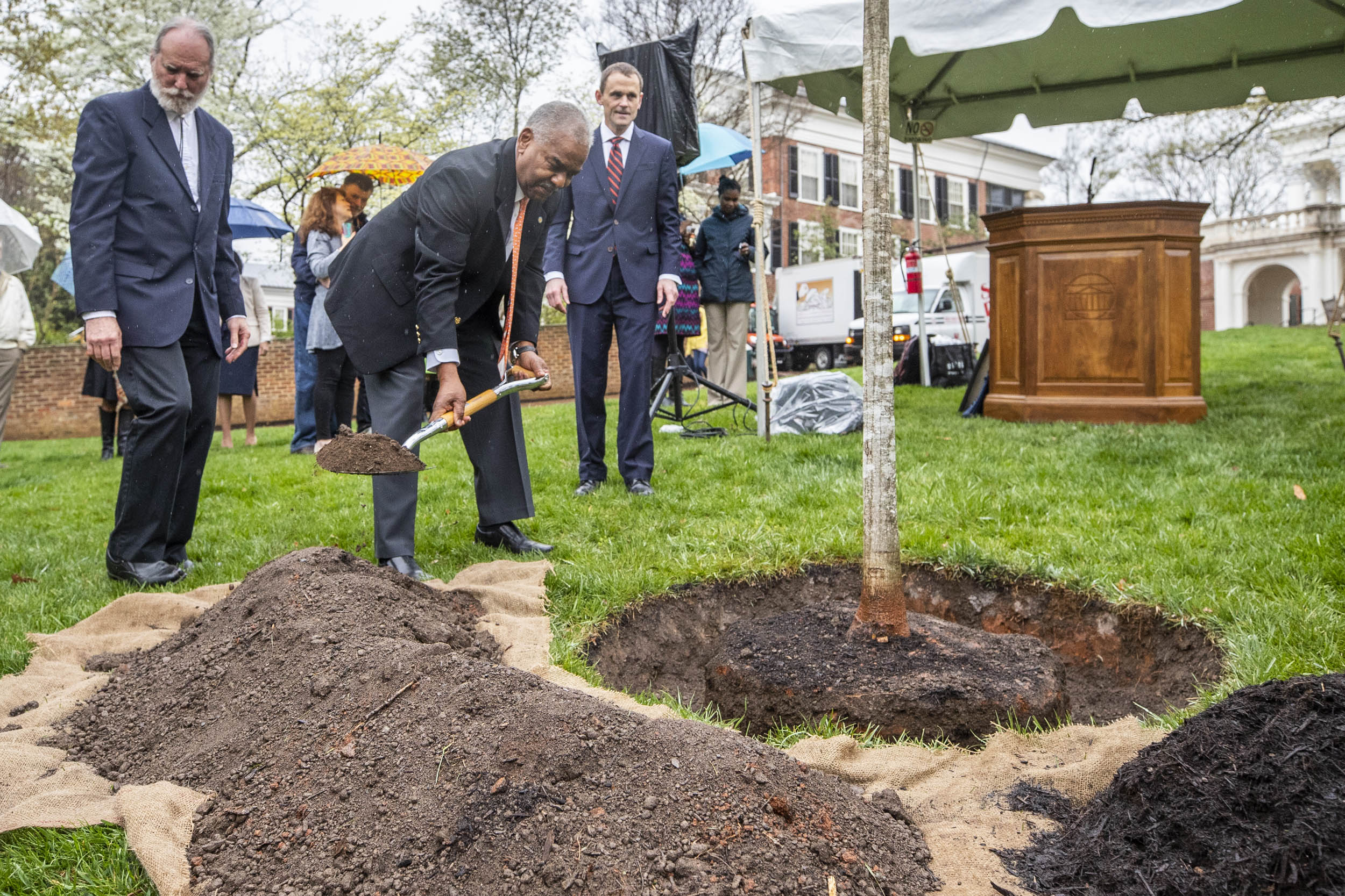 UVA President Jim Ryan presided over a tree-planting ceremony in honor of Dr. Marcus L. Martin, shown here.