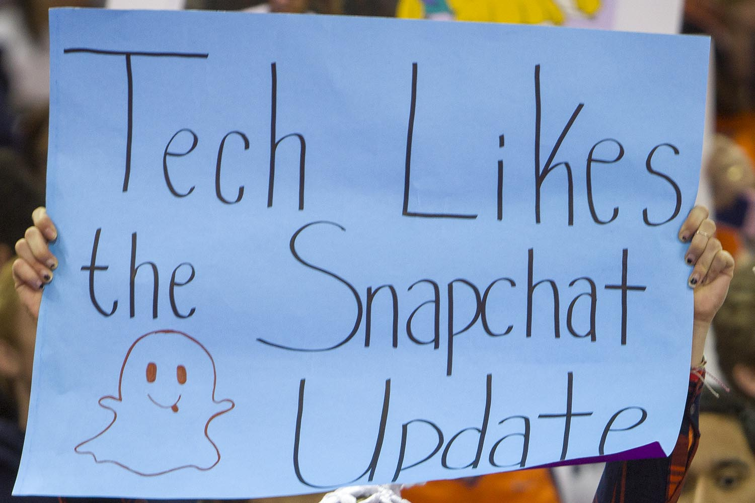 """Sign reading """"Tech likes the new Snapchat update"""""""