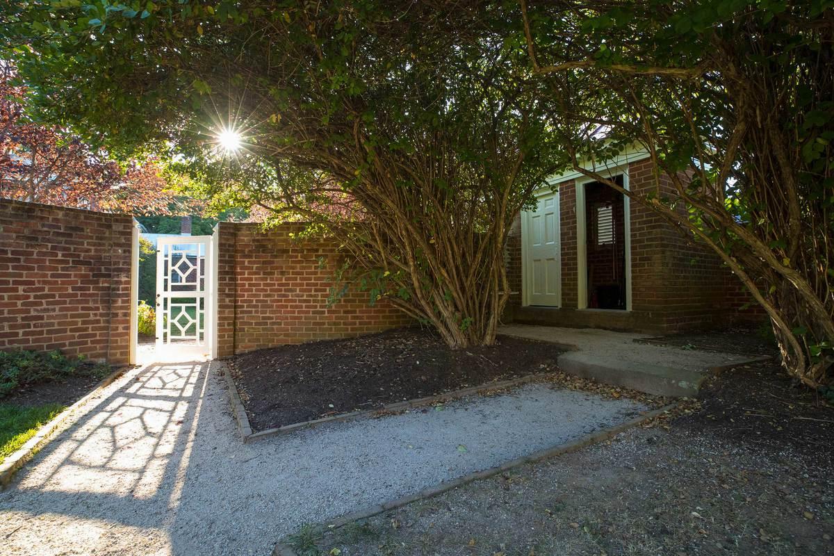 A quiet corner in Pavilion Garden IX.