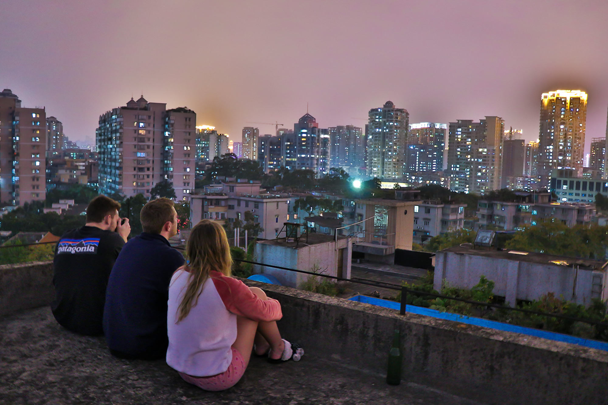 Students take in the Guangzhou skyline.