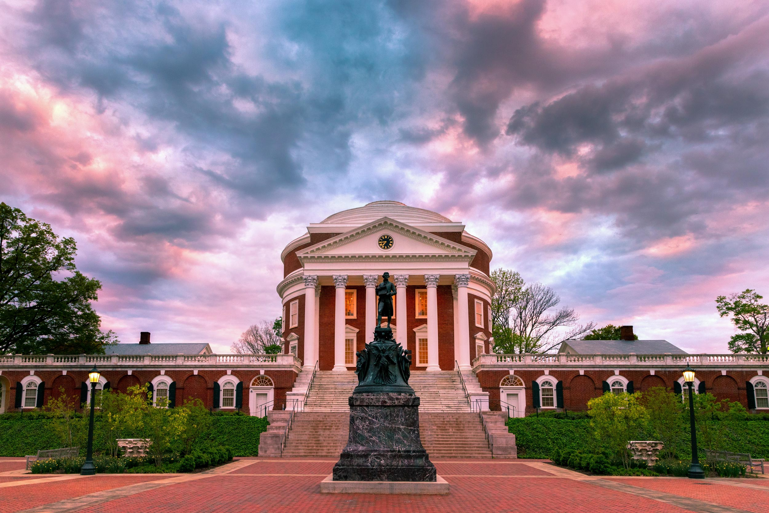 """School of Continuing and Professional Studies student Joshua Crane photographs Grounds for his successful Instagram account, """"Hoowithaview."""""""