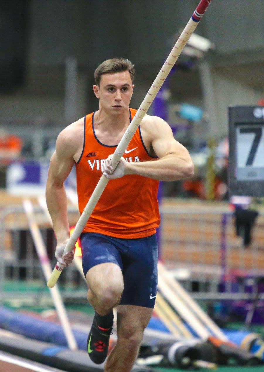 Teen pole vaulter men
