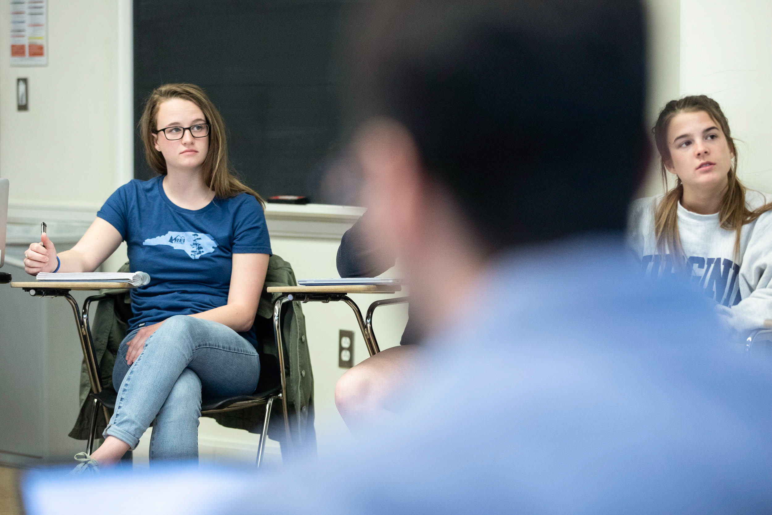 Lillie Neal listens to Vikram Jaswal, her psychology professor, this spring in New Cabell Hall.