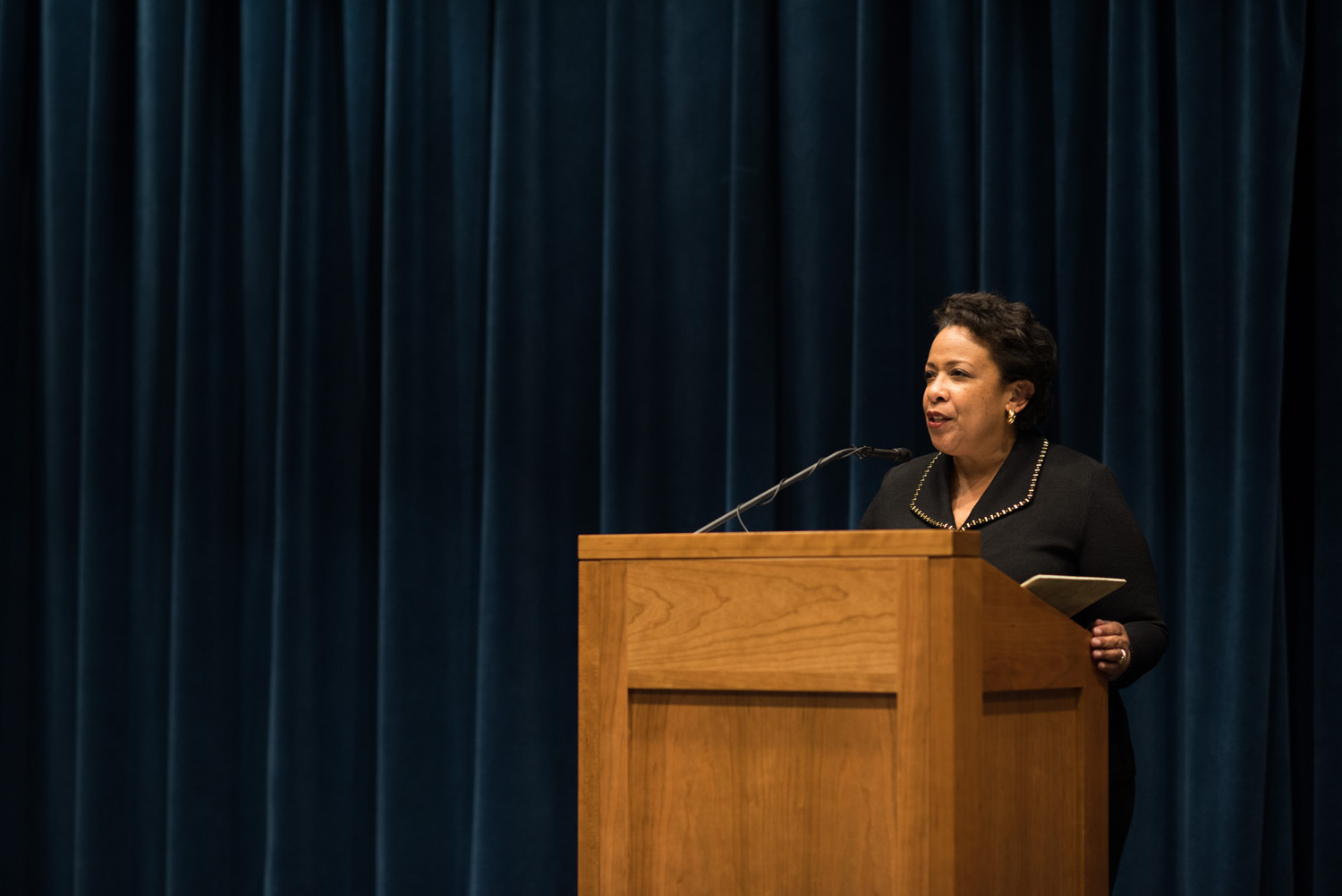 Former Attorney General Loretta Lynch, this year's recipient of the Thomas Jefferson Foundation Medal in Law, spoke Thursday at the Law School. (Photo by Jesus Pino)