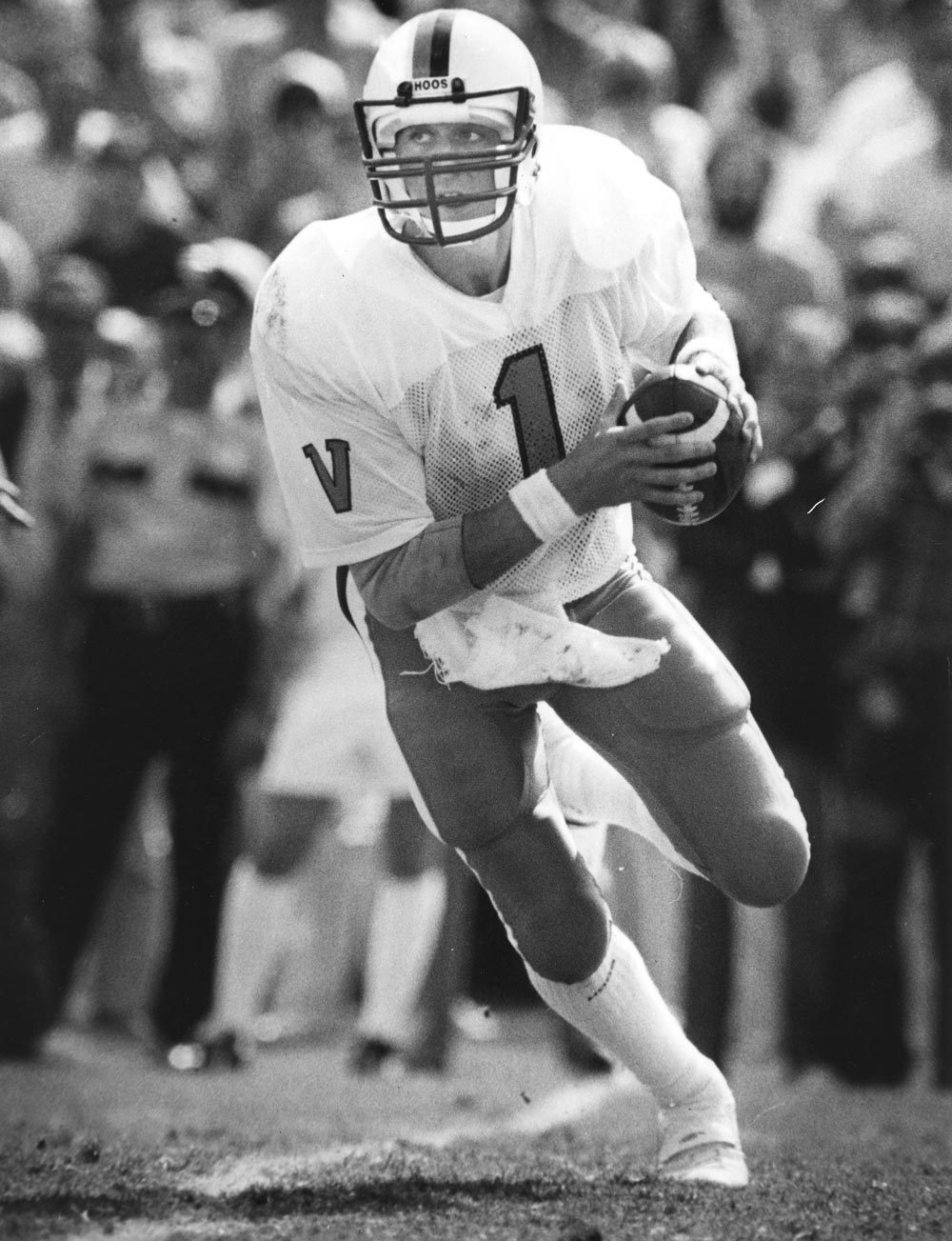After graduating from UVA, Majkowski played for Green Bay, Indianapolis and Detroit during a 10-year NFL career.