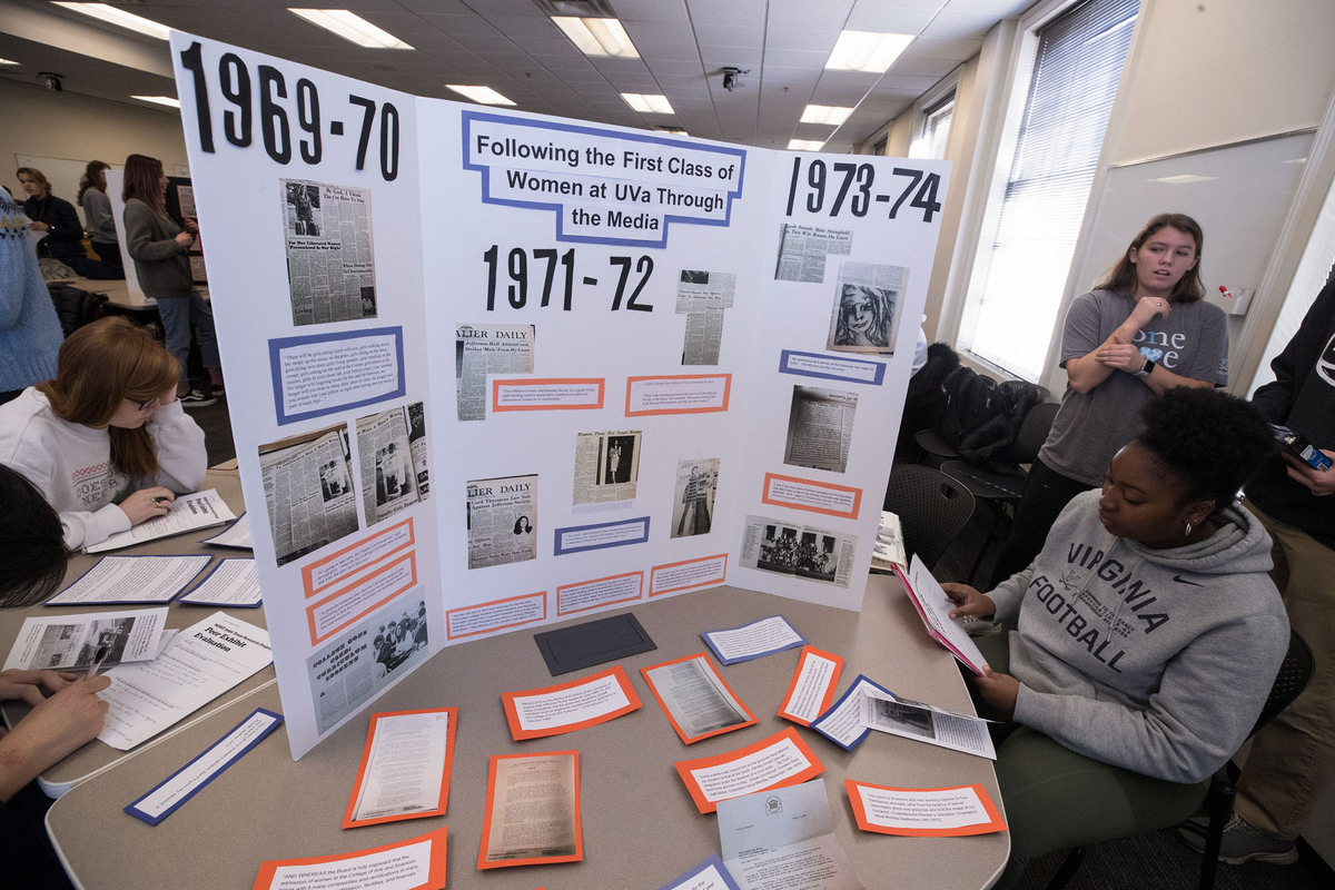 One group explored media coverage of the first class of women at UVA, especially focusing on The Cavalier Daily. (Photo by Dan Addison, University Communications)