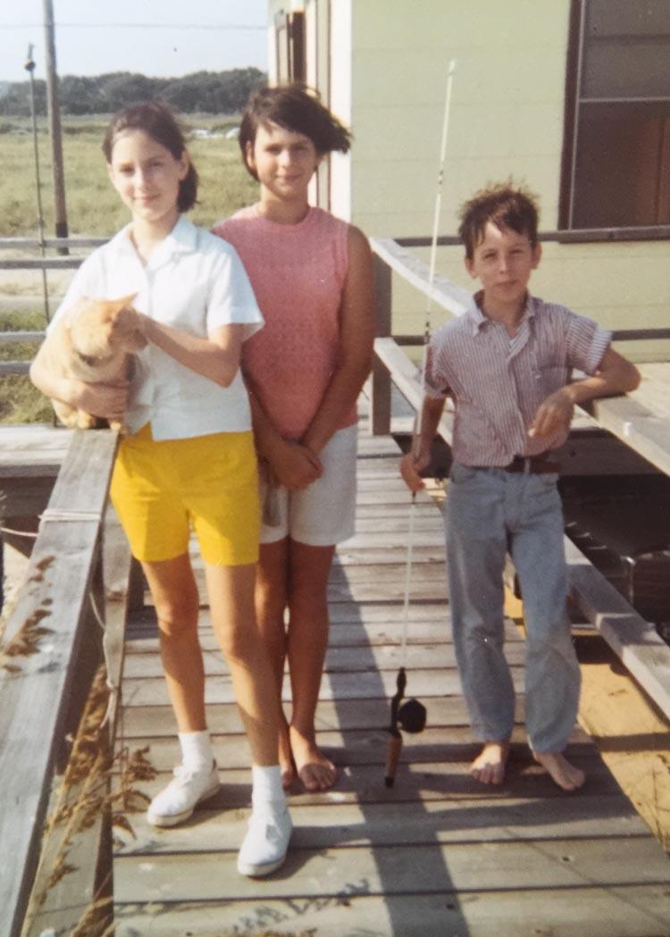 Pretzel in North Carolina with the three Morin children – Jayne (holding Pretzel), Annette and Eddie.