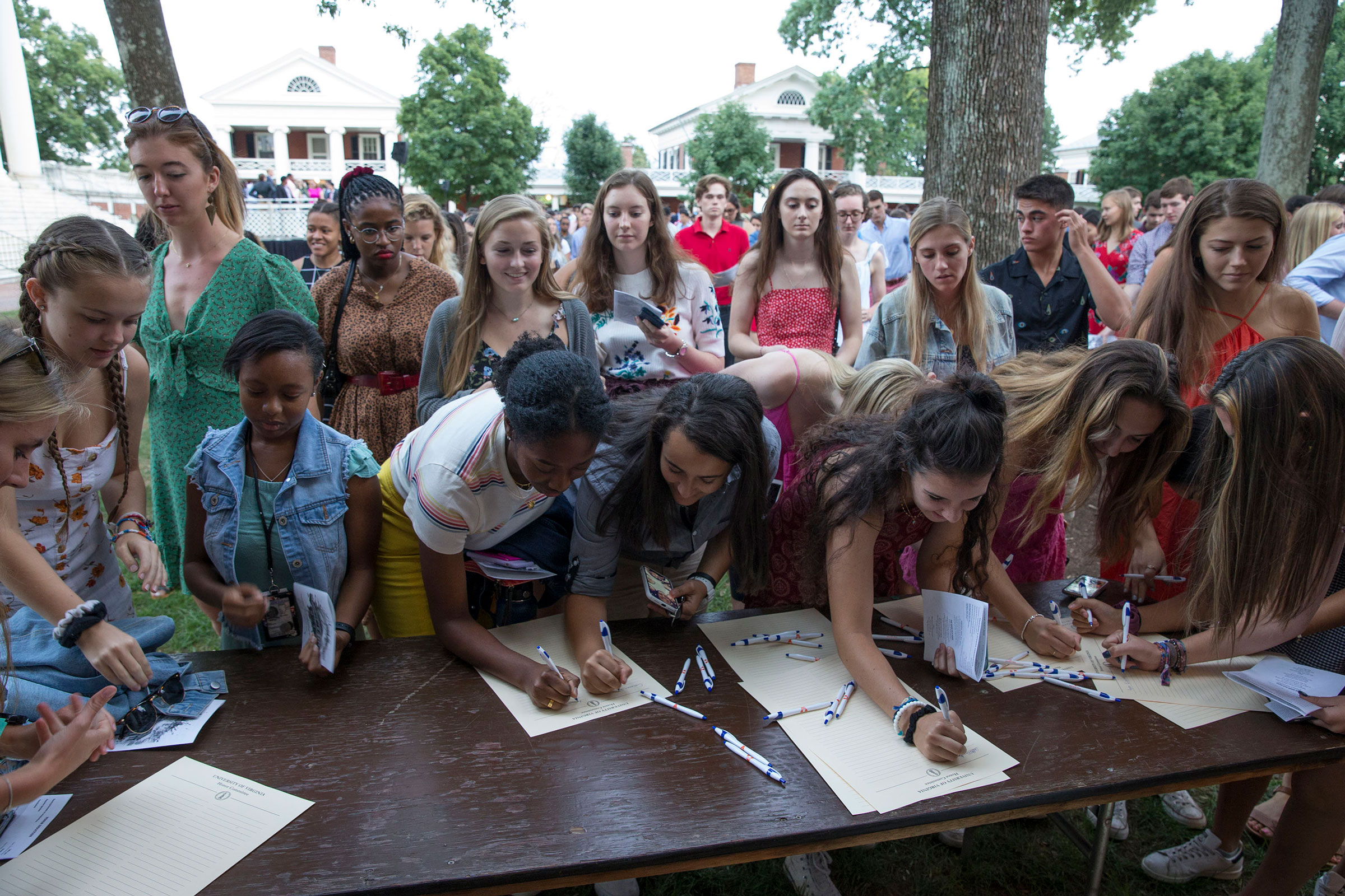 Students signed the Honor Pledge on Sunday evening as part of Opening Convocation.