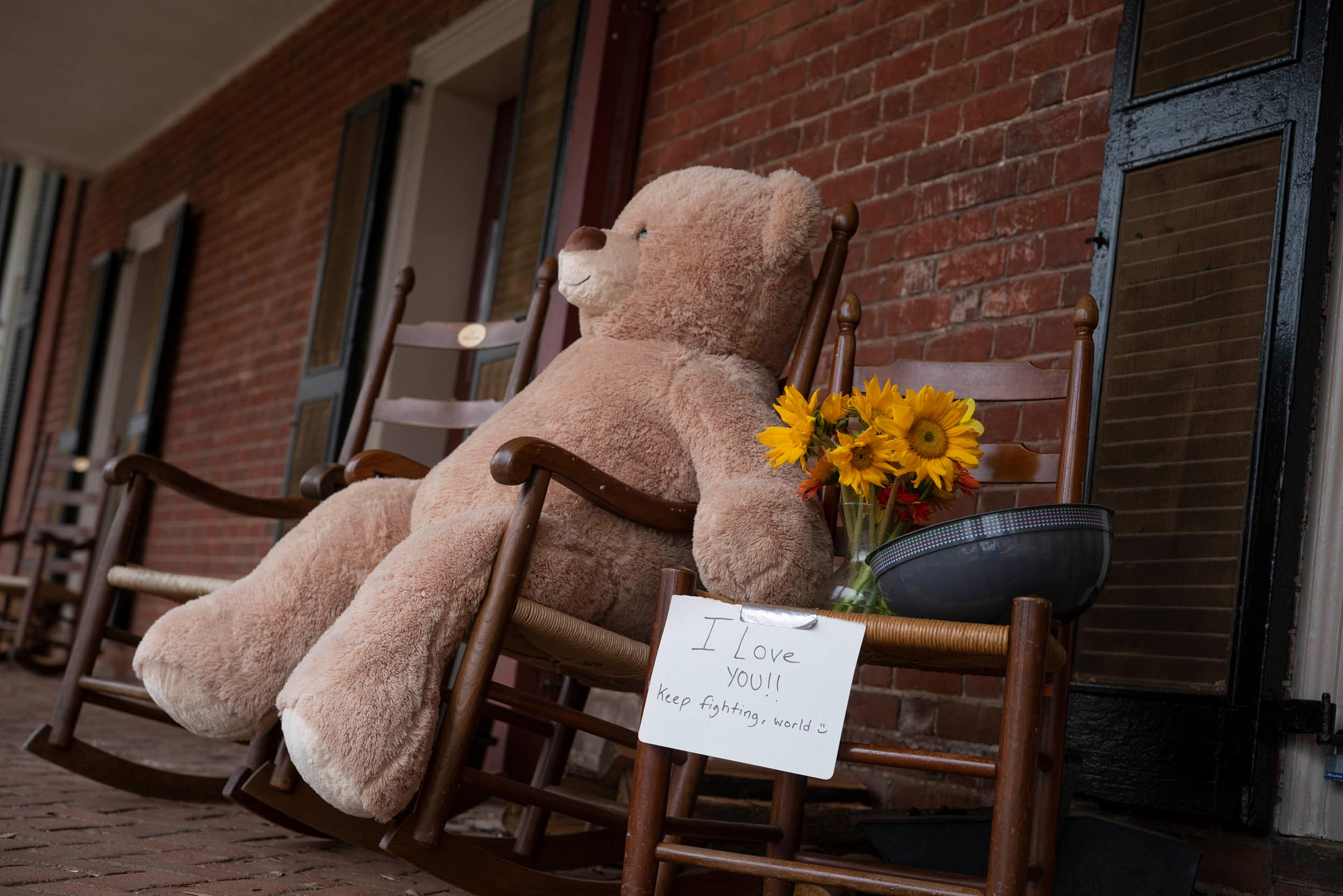 Students left behind notes – and a big bear – on the Lawn. (Photos by Sanjay Suchak, University Communications)