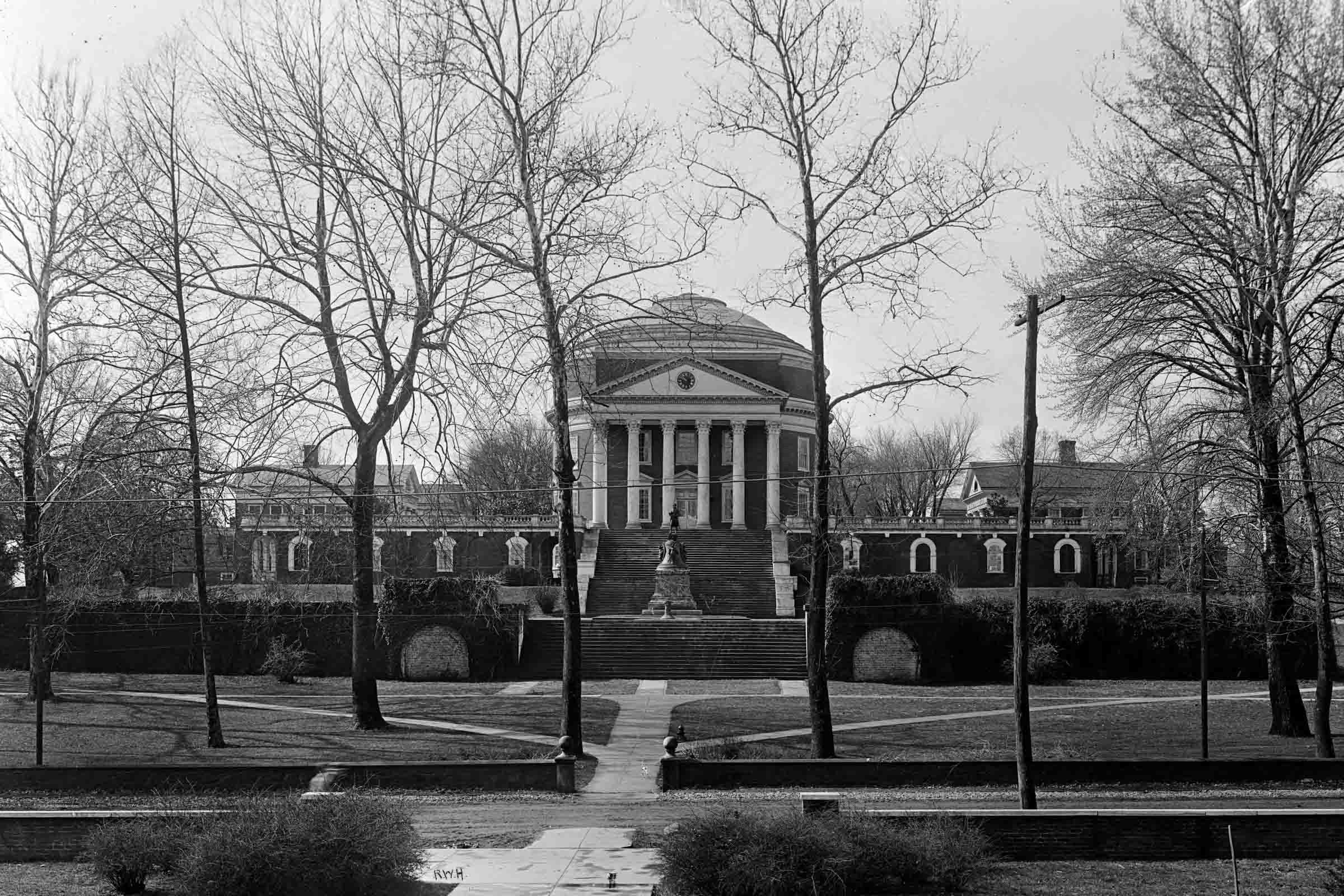 The Rotunda in 1913, as seen from the north, a view O'Keeffe captured several times. Image: Rufus W. Holsinger (American 1866-1930). Rotunda, 1913. Dry-plate glass negative. Holsinger Studio Collection, Albert and Shirley Small Special Collections Librar