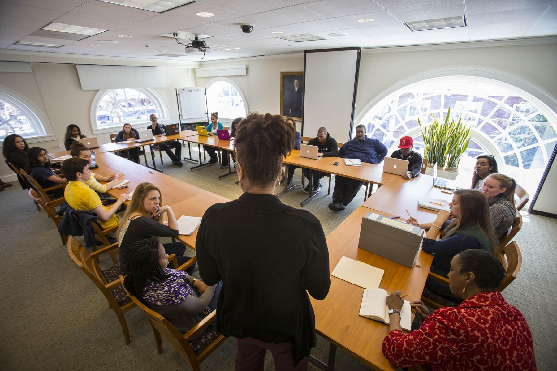 Woodson Institute Series Fulfills Students\' \'Thirst\' for Civil ...