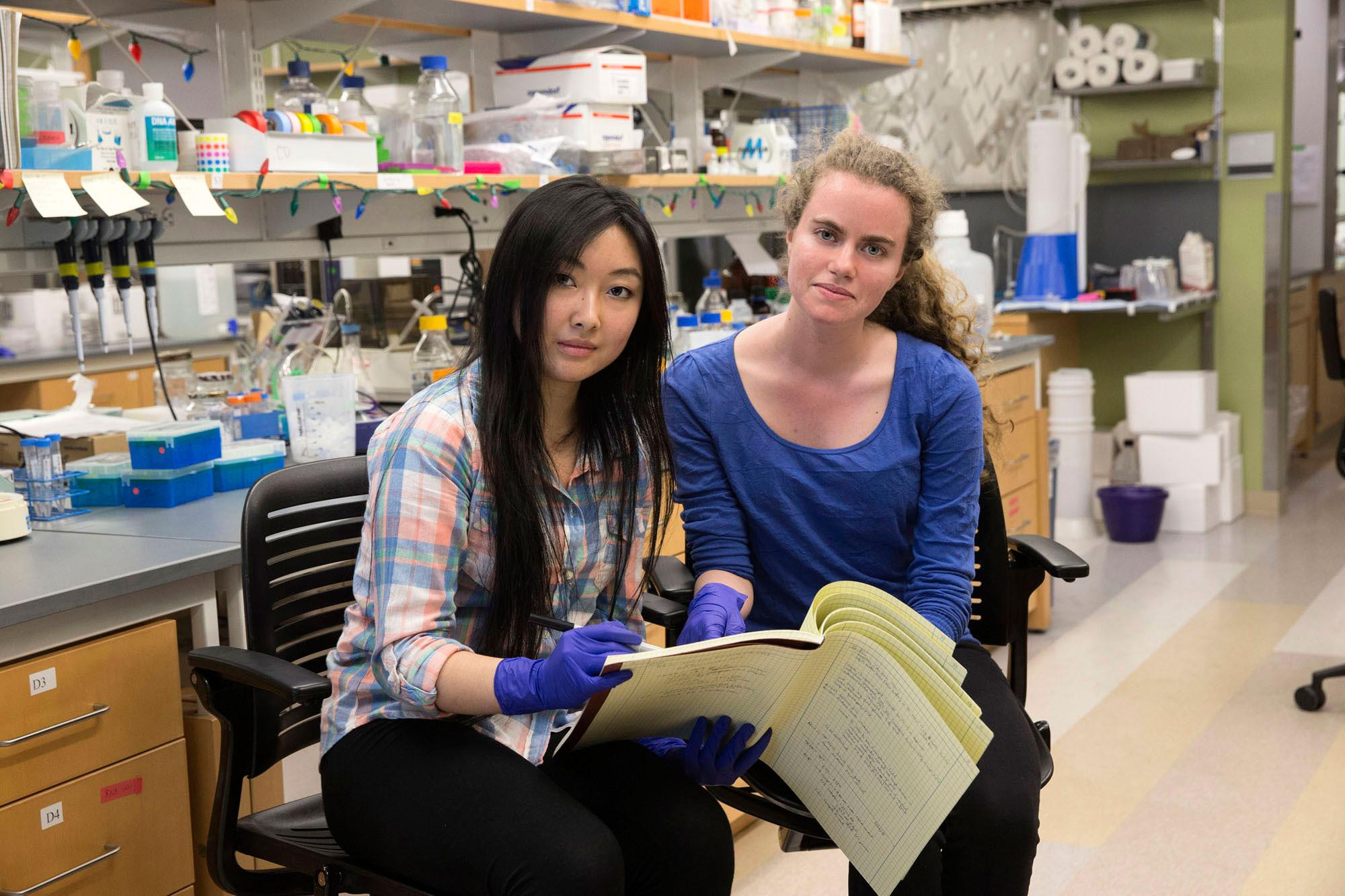 Lucy Jin, left, a second-year neuroscience major, and Ana Untaroiu, a second-year biomedical engineering major, have been named Beckman Scholars.