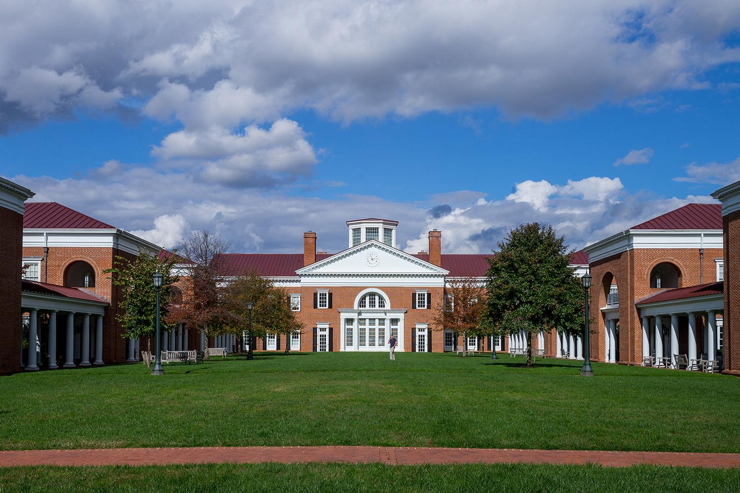 Darden School Offers Future-Year Admissions for Top Undergraduate Students