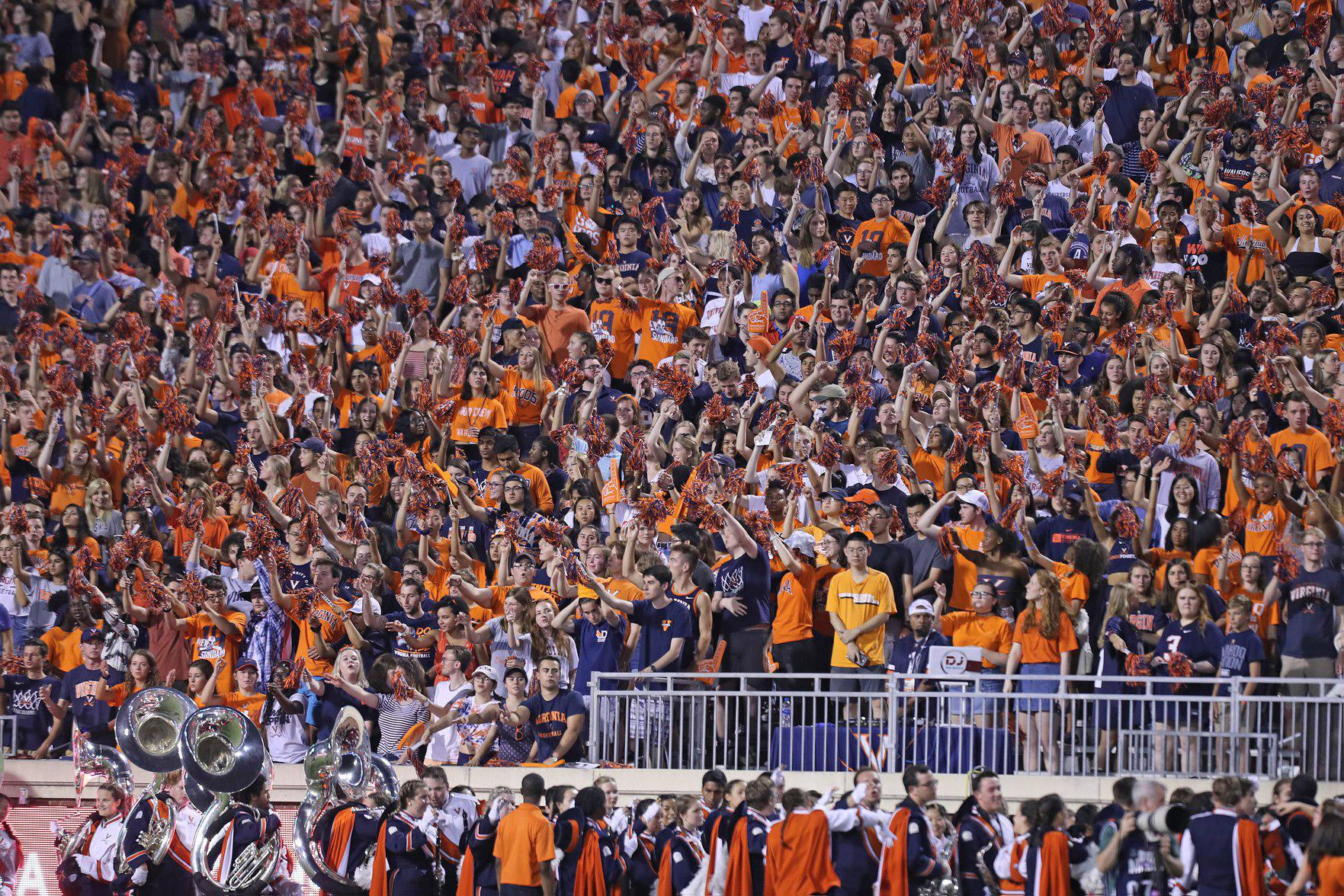Friday Night Lights Hoos Fans Bring A Game To Scott