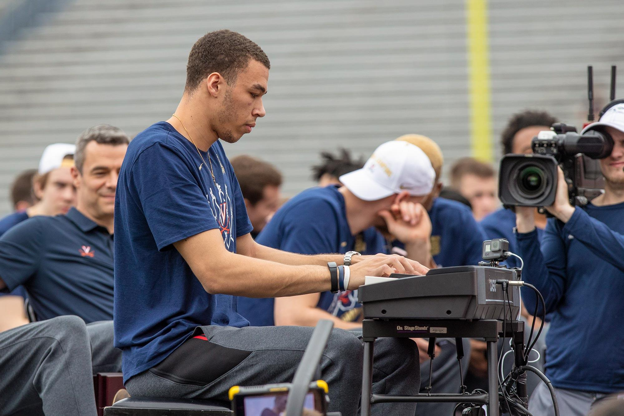 """Having played """"the piano for thousands of UVA basketball fans at last season's NCAA championship celebration at Scott Stadium, former Hoos basketball player Francesco Badocchi knows a thing or two about celebrity."""