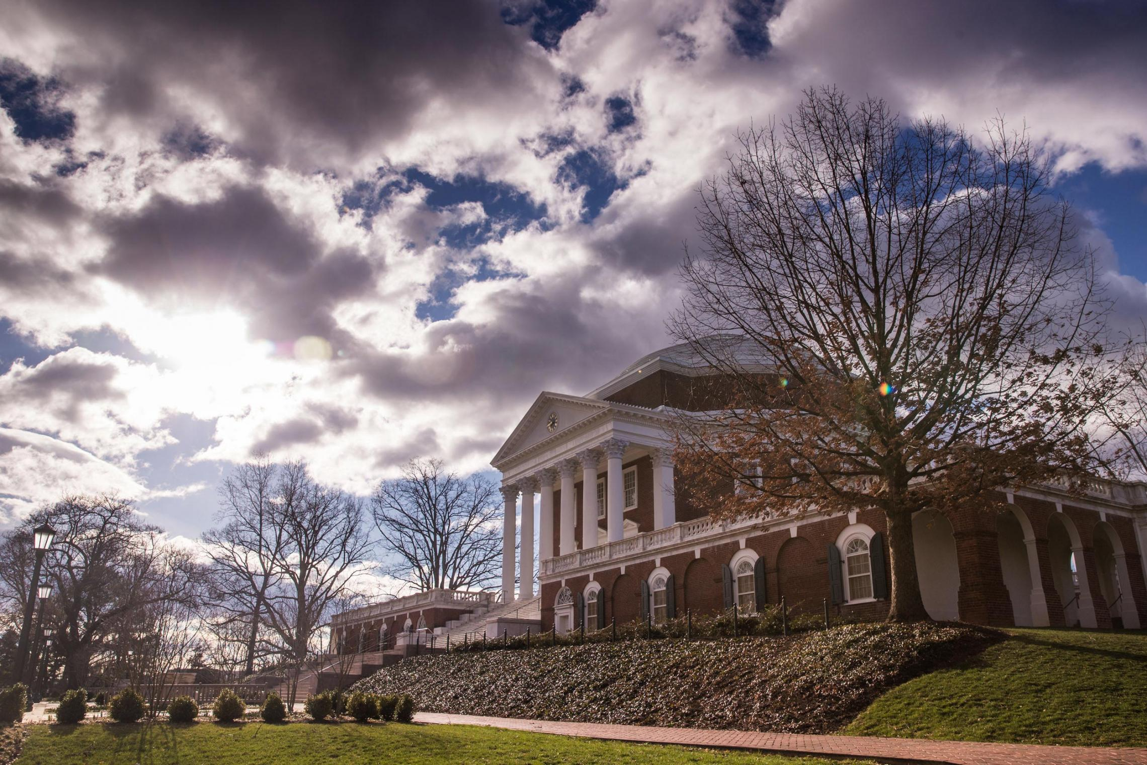 U.S. News' Latest Rankings Place 5 UVA Grad Schools in Nation's Top 25