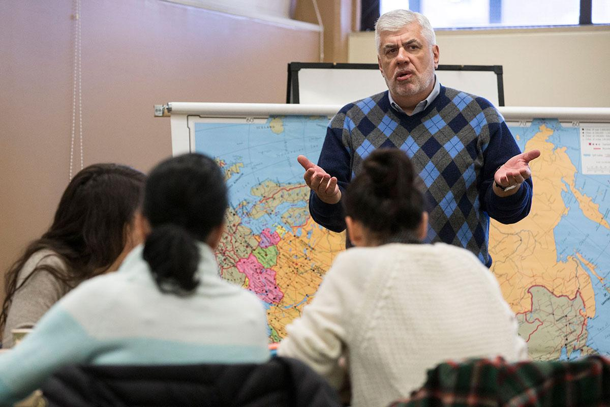Yuri Urbanovich, a lecturer in politics and Slavic languages and literatures, speaks to his class during a recent January term session.