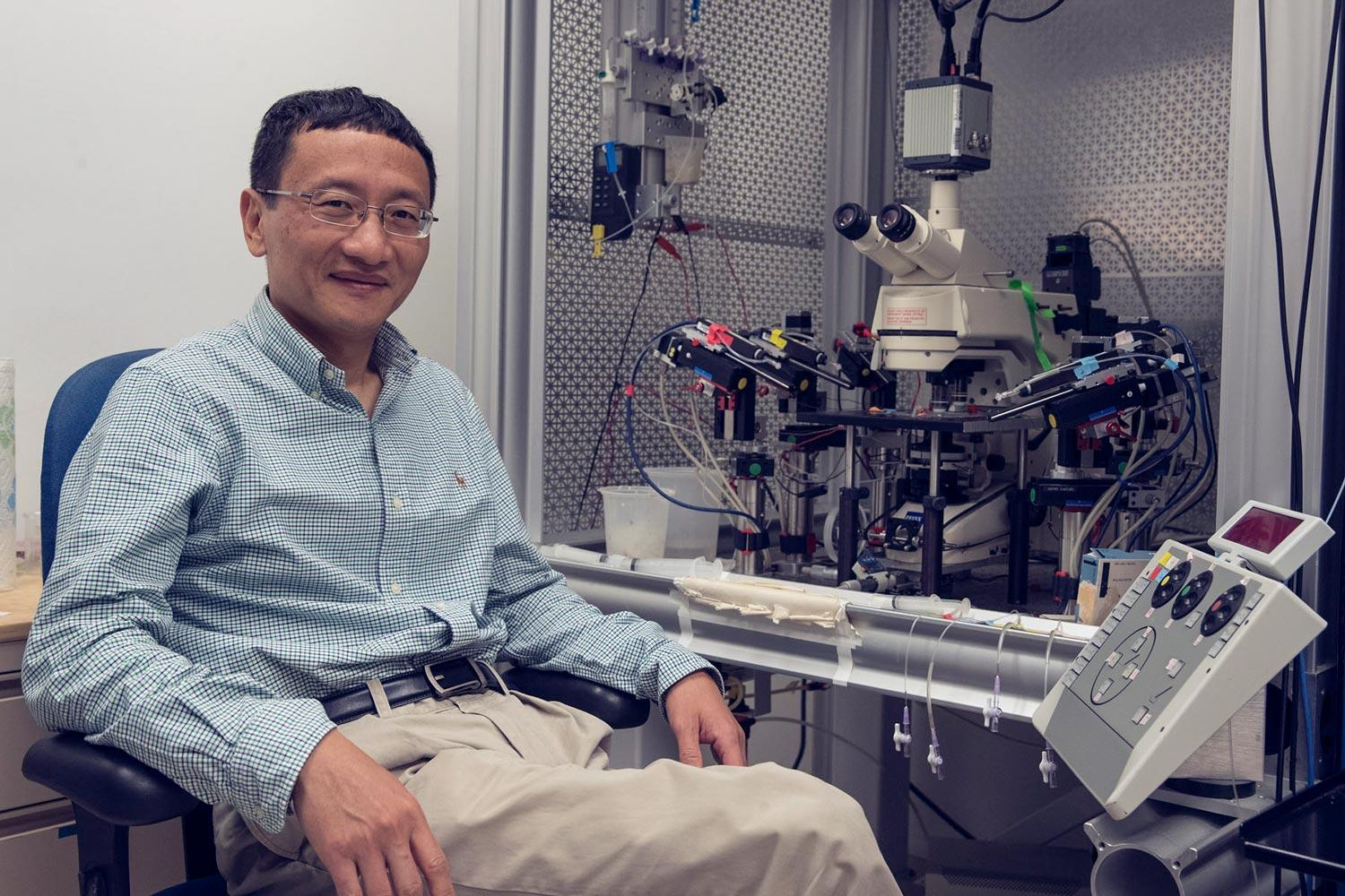 UVA pharmacology researcher J. Julius Zhu and colleagues have pioneered a new technique to visualize cell communication within the brain.