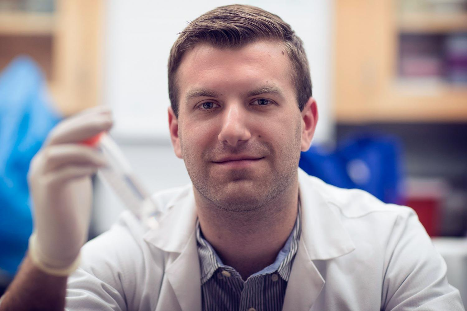 Jesse Persily used a Harrison Undergraduate Research Award to study pancreatic cancer in mice.