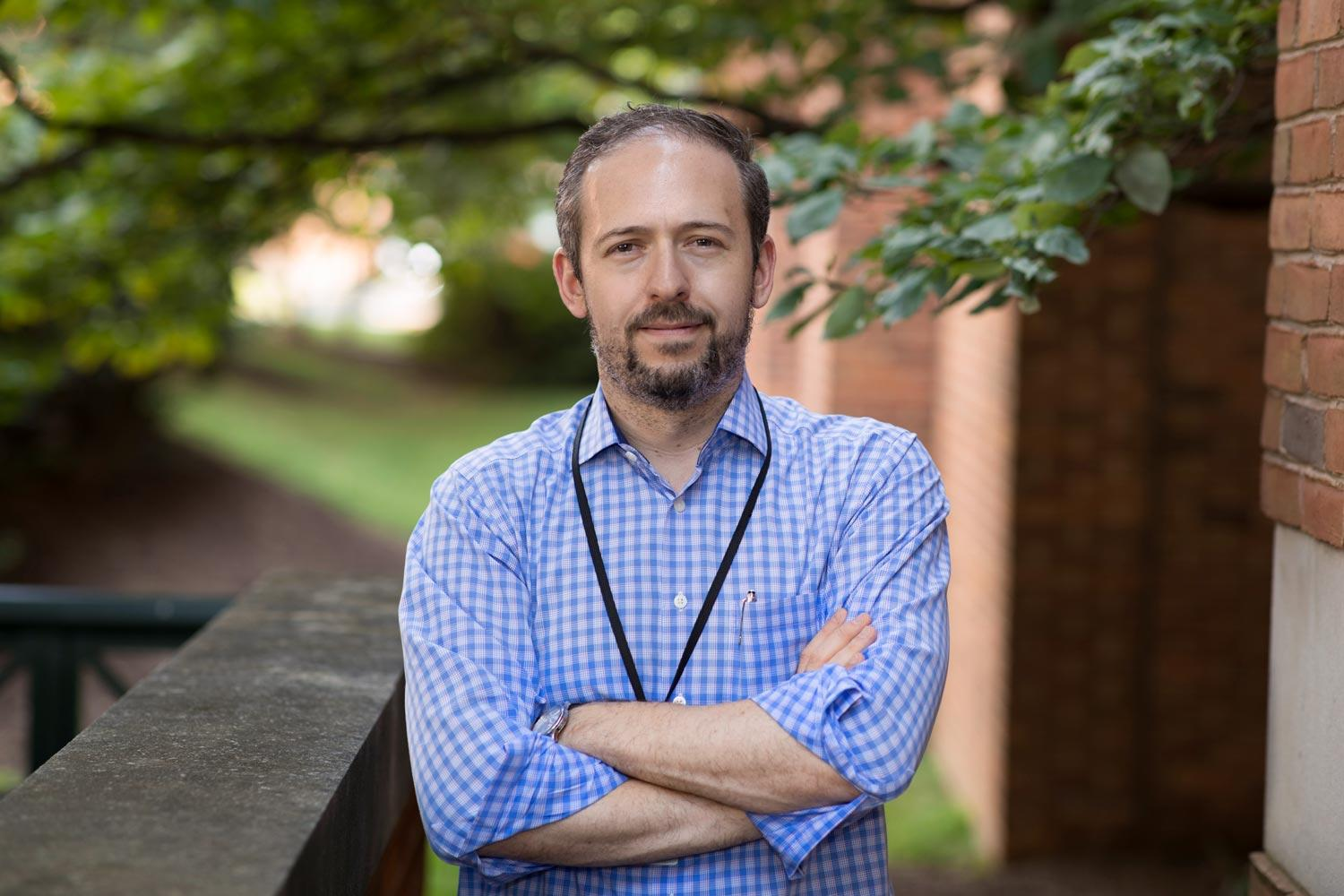 Jonathan Kipnis is the first School of Medicine researcher to win an NIH Director's Pioneer Award for work done at the University.