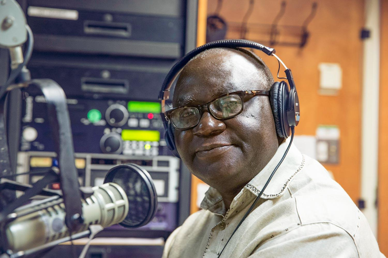 Kwesi Ghartey-Tagoe, who manages Radio Peace in Winneba, Ghana, visited UVA's student and community-run radio station last week.