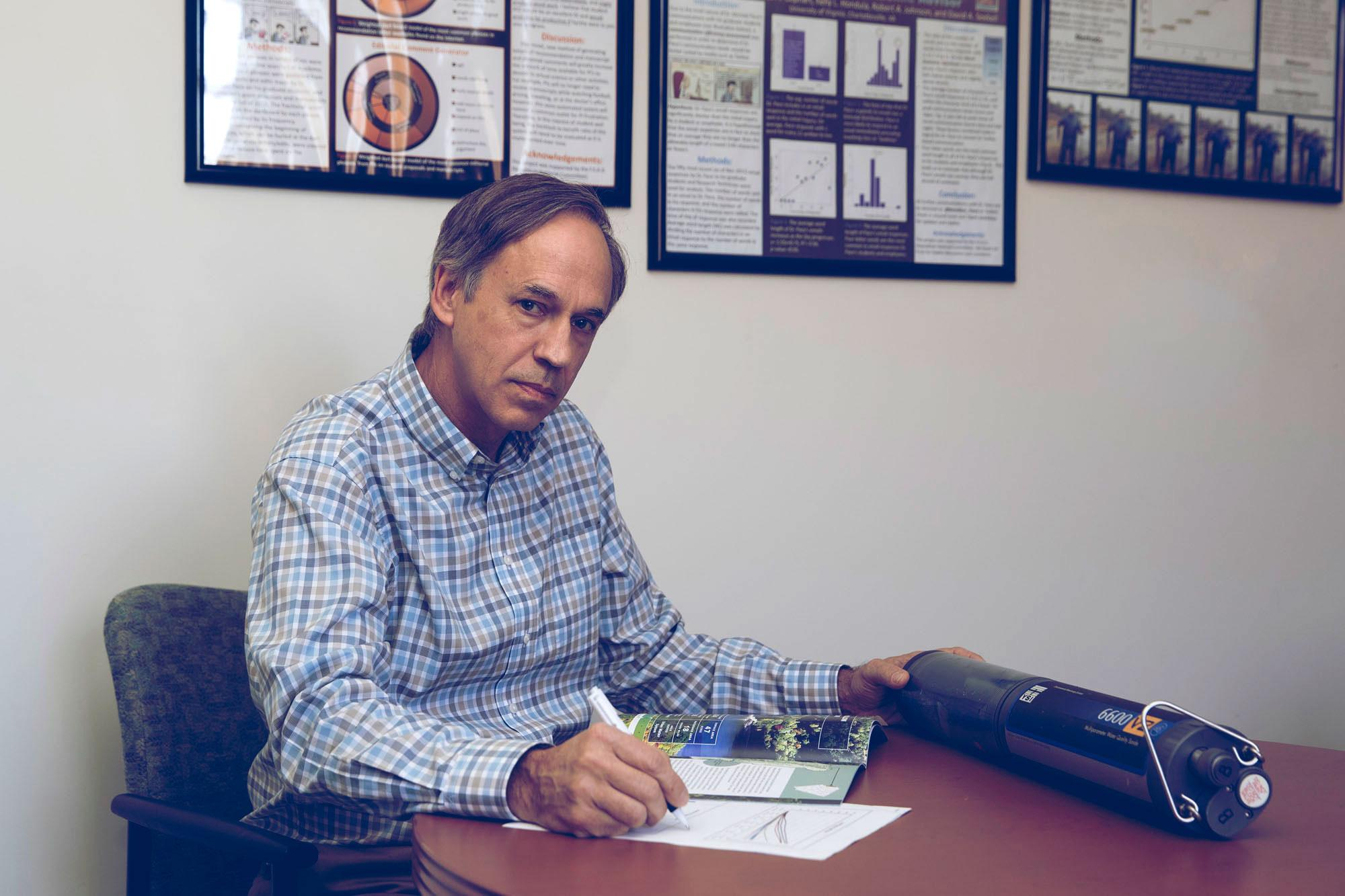 UVA environmental sciences professor and chair Michael Pace was part of a multi-institutional study that tested an early-warning system to predict toxic algae blooms.