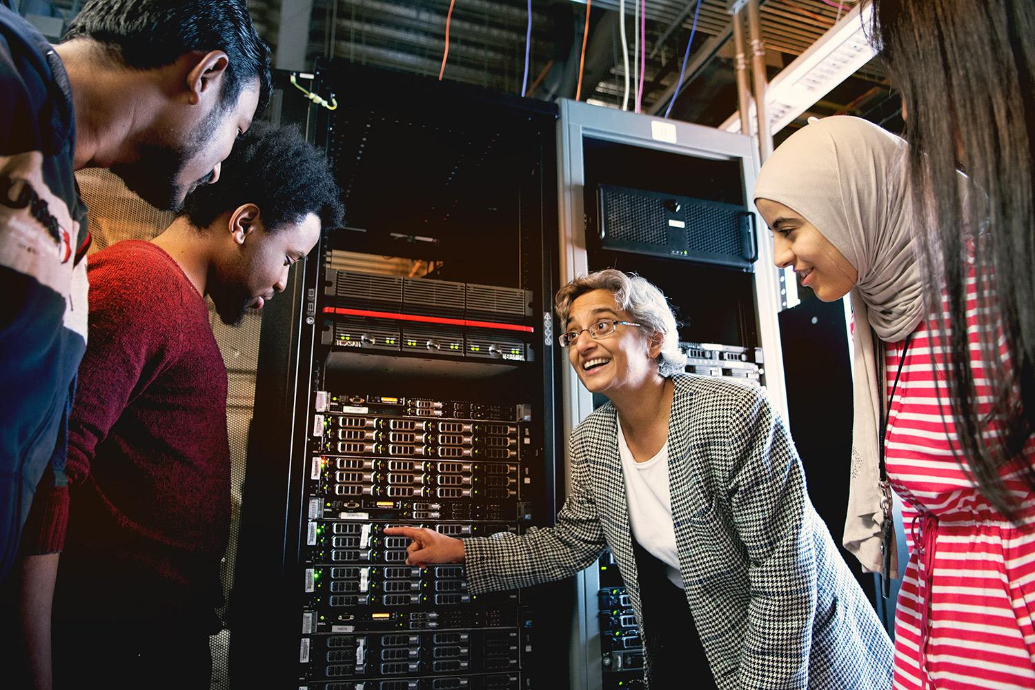 Malathi Veeraraghavan, a professor of electrical and computer engineering, is creating applications and protocols to ensure that communication to and from these state-of-the-art networks is as efficient as possible.