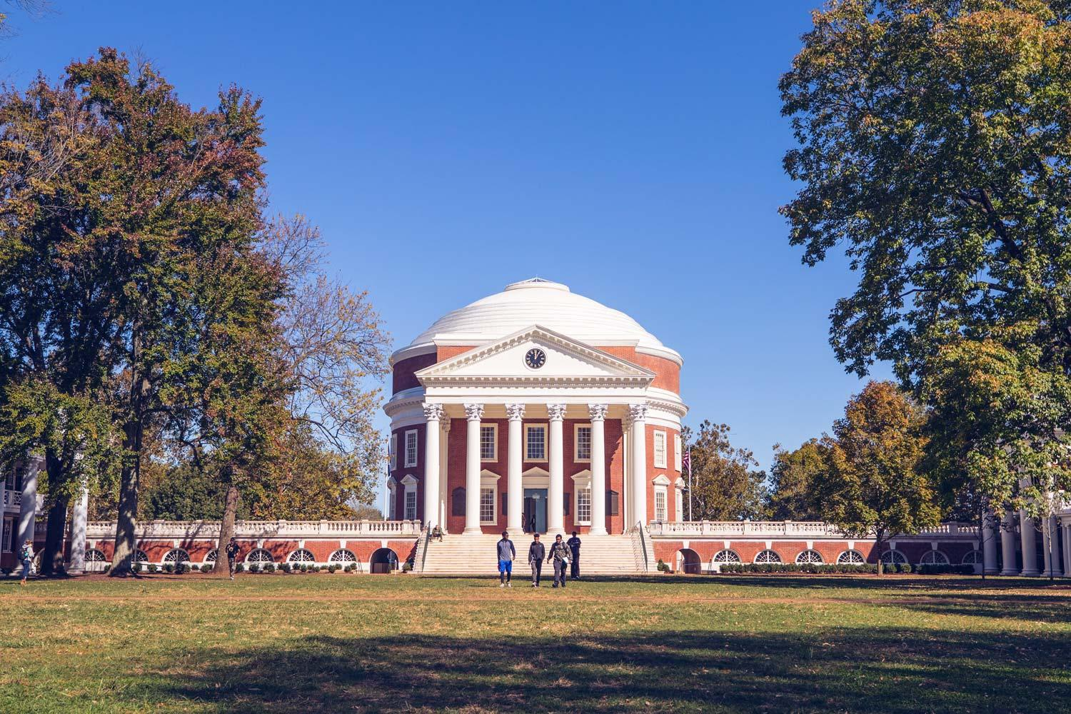The Rotunda at the University of Virginia, on a sunny day