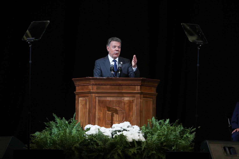 Colombian President Juan Manuel Santos delivered the keynote address at UVA's 2017 Valediction. (Photo by Sanjay Suchak, University Communications)