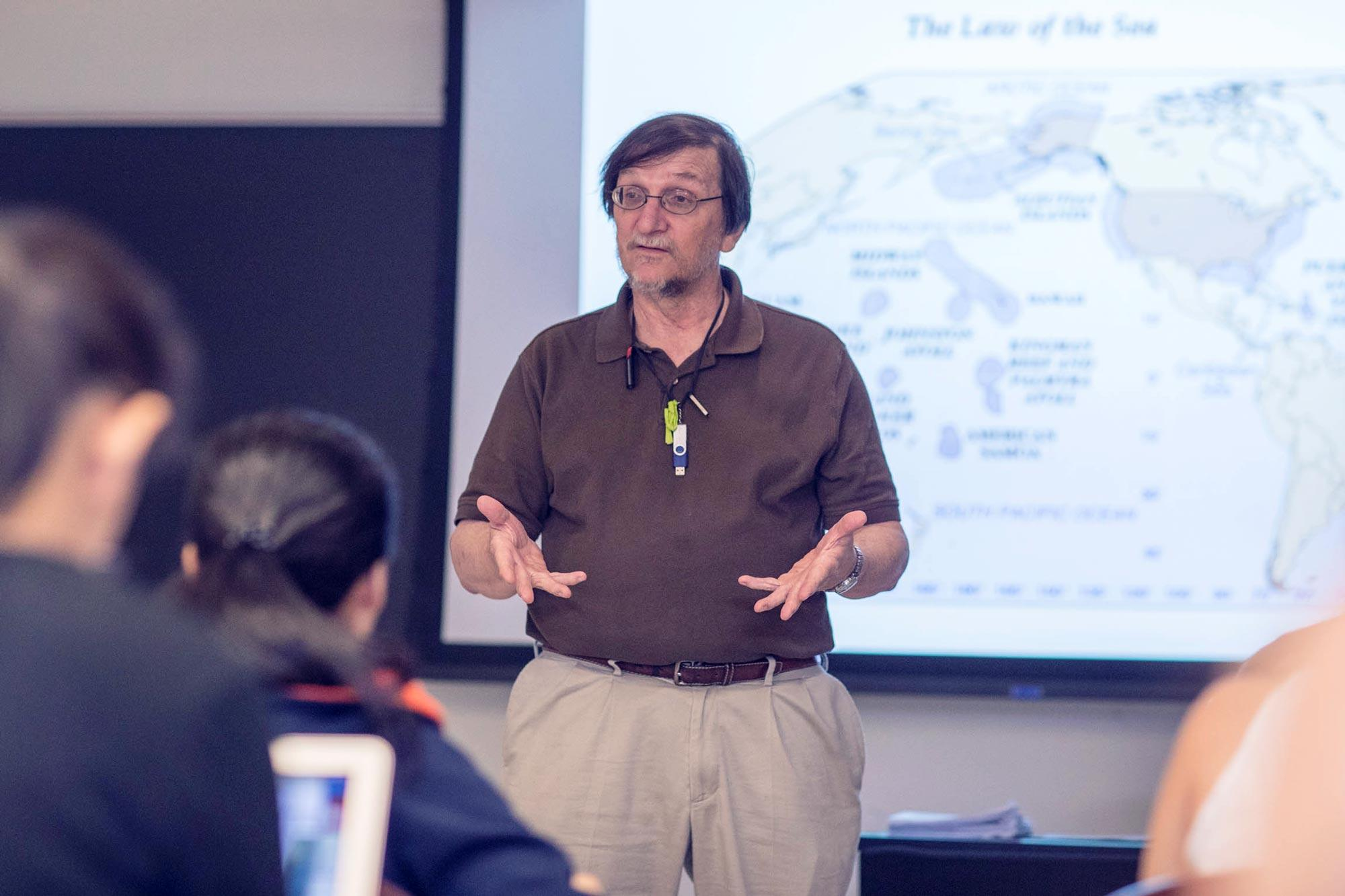Environmental scientist Stephen Macko recently taught an introductory oceanography class to 16 high school students through the UVA Advance program.