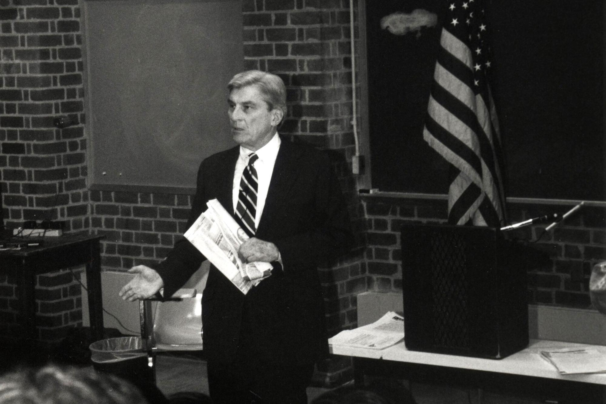 Former U.S. Sen. John W. Warner addresses UVA students on a visit to Grounds in 1994. Warner is an alumnus of the UVA School of Law.