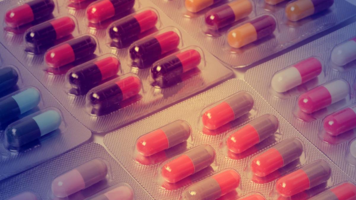 antibiotics_pills_header_3-2.jpg