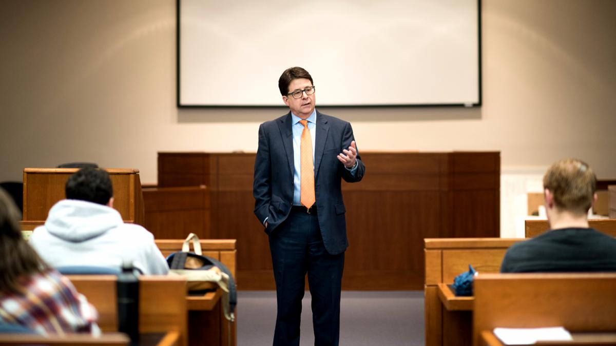 "Dean Strang of ""Making a Murderer"" shares with law students the value of storytelling. (Photo by Jesus Pino, UVA School of Law)"