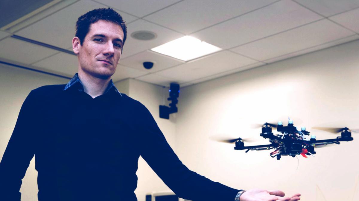 nicola_bezzo_and_drones_03_da_header.jpg