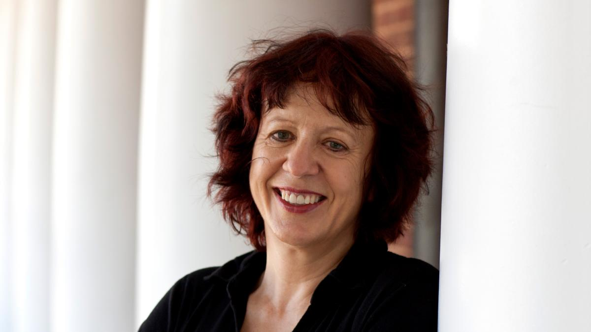 English professor Rita Felski urges a different approach to interpreting literary works, and her work has earned her a major grant from the Danish National Research Foundation.