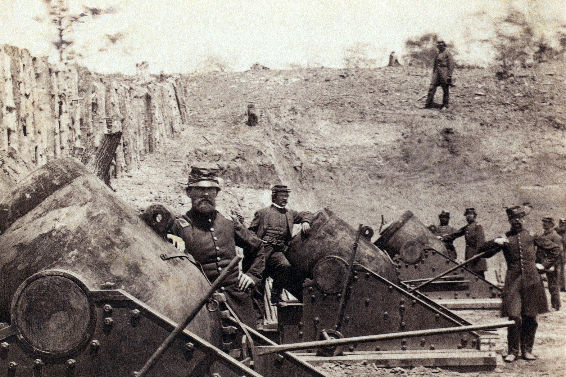 Union artillery at Yorktown, circa 1862. (James F. Gibson/Library of Congress)