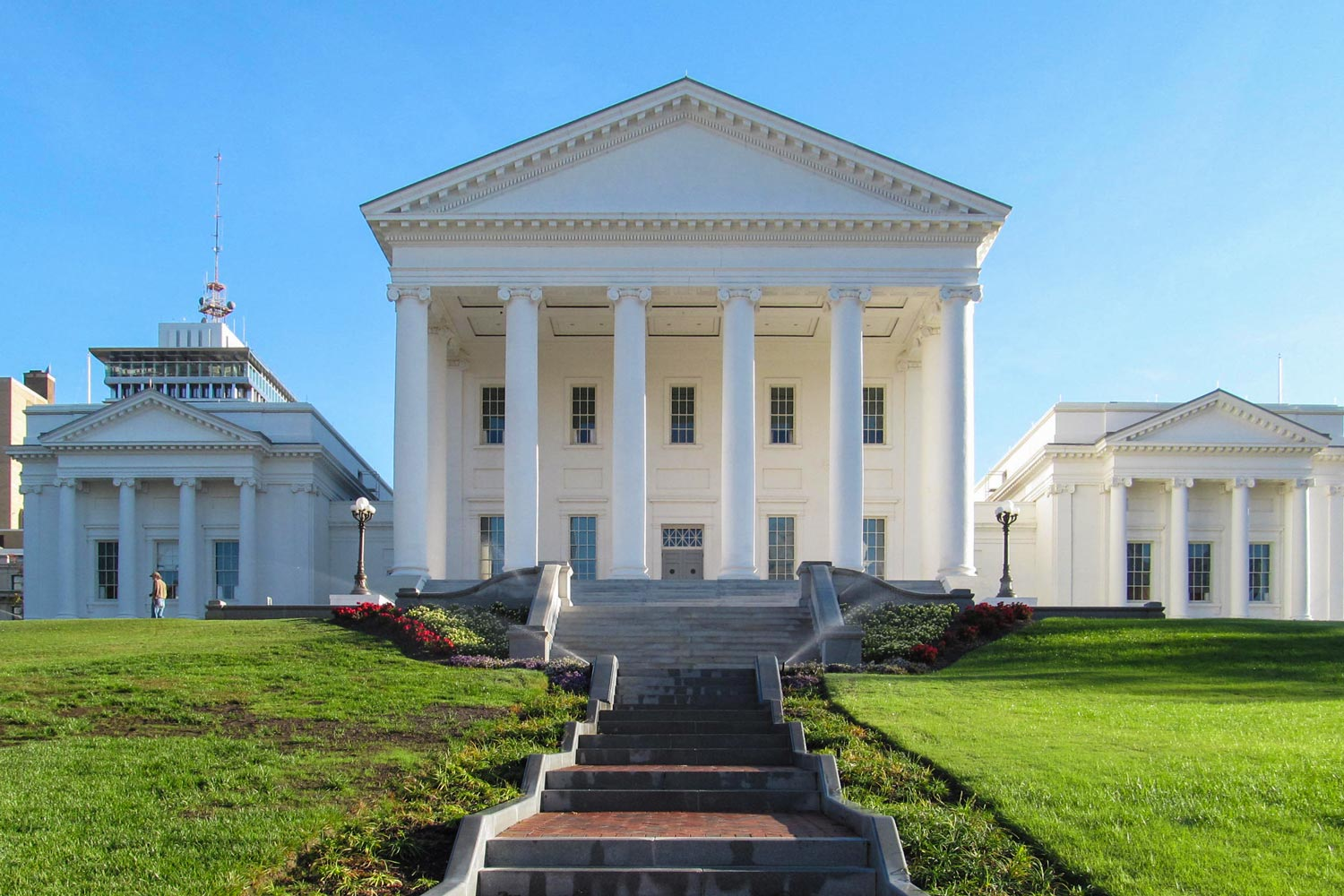 Jefferson modeled the Virginia State Capitol after a favorite classical temple in France.