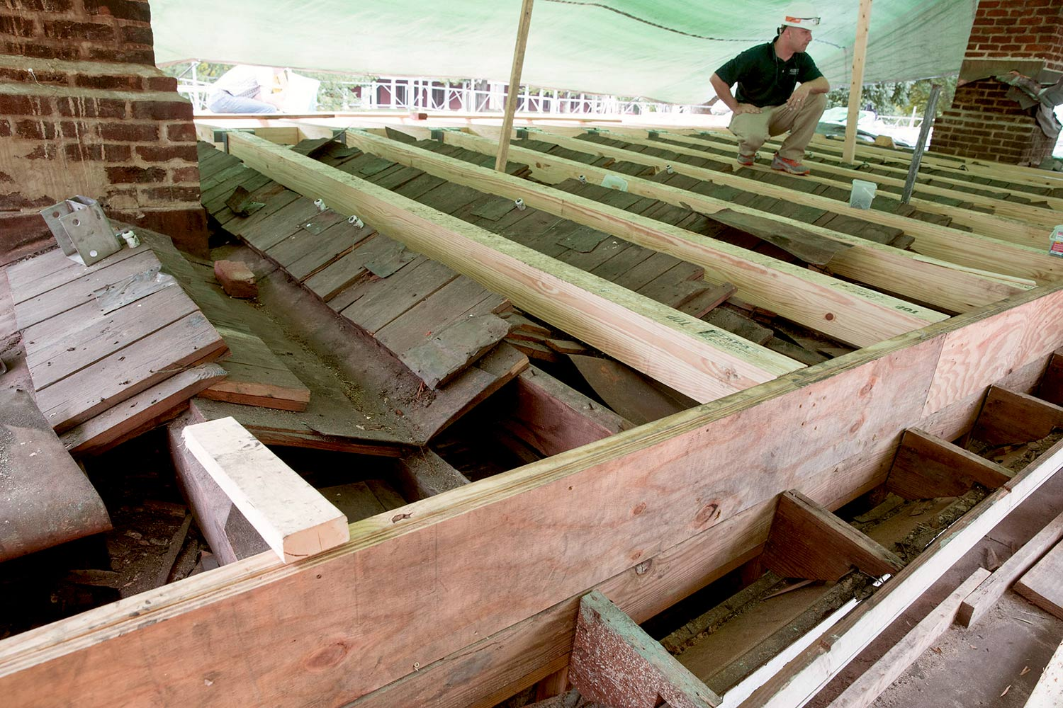 The new roof sections will cover the old roof and then a deck, similar to the one designed by Thomas Jefferson, will be installed over the roof.